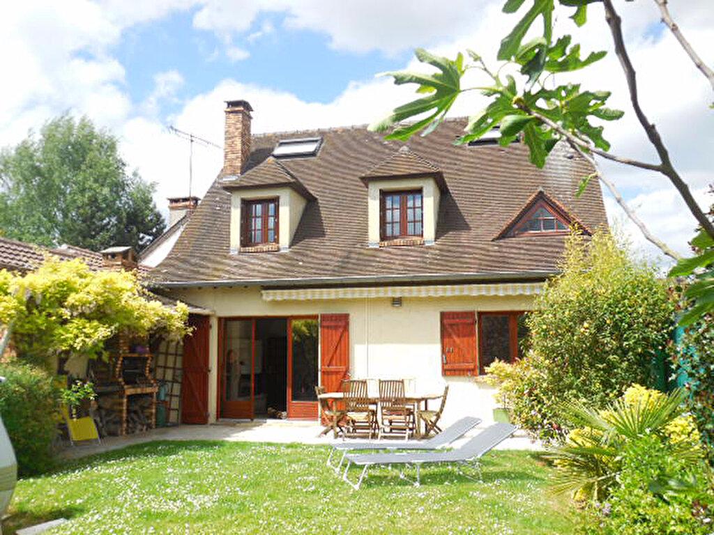 Maison à vendre 6 150m2 à Mandres-les-Roses vignette-1