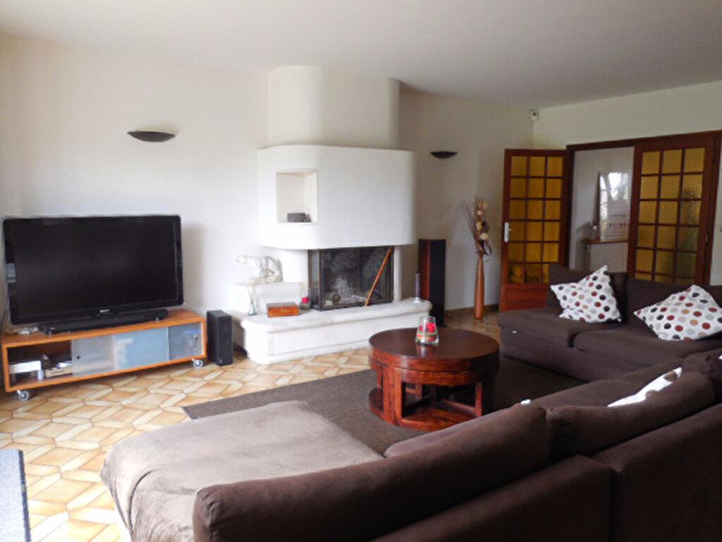 Maison à vendre 6 150m2 à Mandres-les-Roses vignette-5