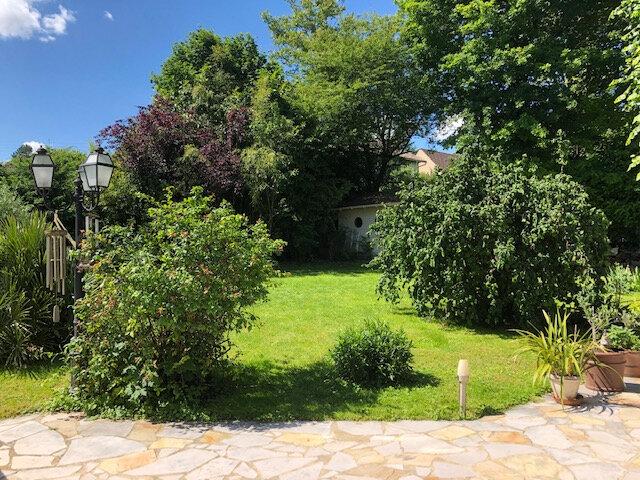 Maison à vendre 7 190m2 à Boussy-Saint-Antoine vignette-3