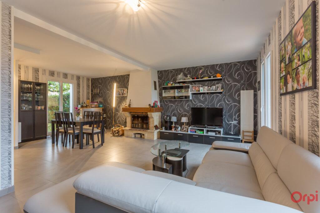 Maison à vendre 5 111.42m2 à Mandres-les-Roses vignette-3
