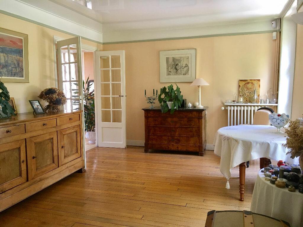 Maison à vendre 8 201m2 à Mandres-les-Roses vignette-5