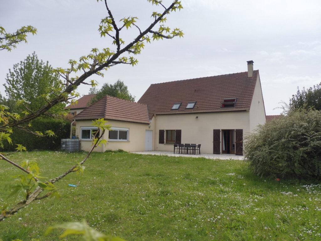 Maison à vendre 7 150m2 à Mandres-les-Roses vignette-1