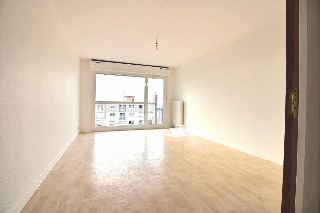 Appartement à vendre 3 66.61m2 à Saint-Pierre-du-Perray vignette-3