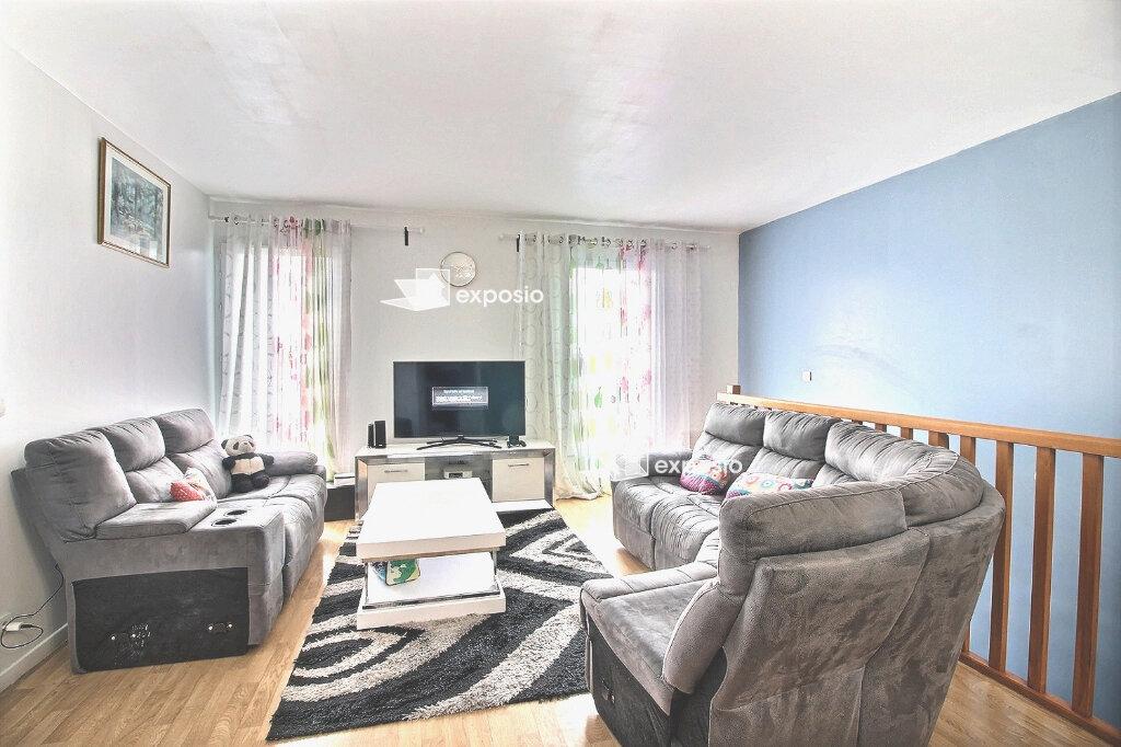 Appartement à vendre 4 82m2 à Corbeil-Essonnes vignette-1