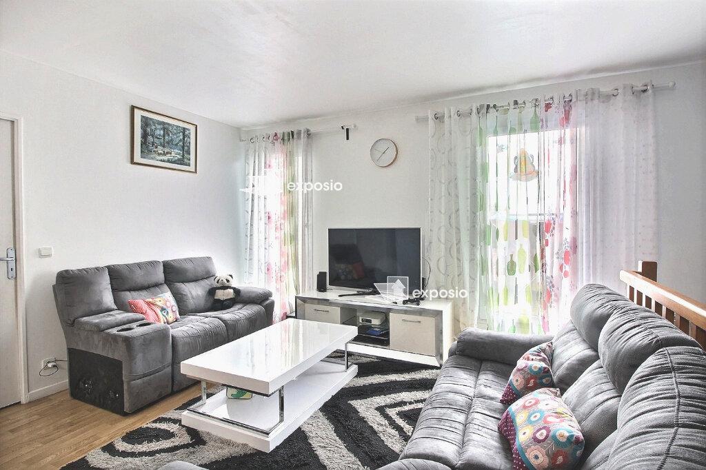 Appartement à vendre 4 82m2 à Corbeil-Essonnes vignette-3