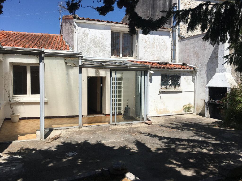 Maison à vendre 4 140m2 à Bourcefranc-le-Chapus vignette-1