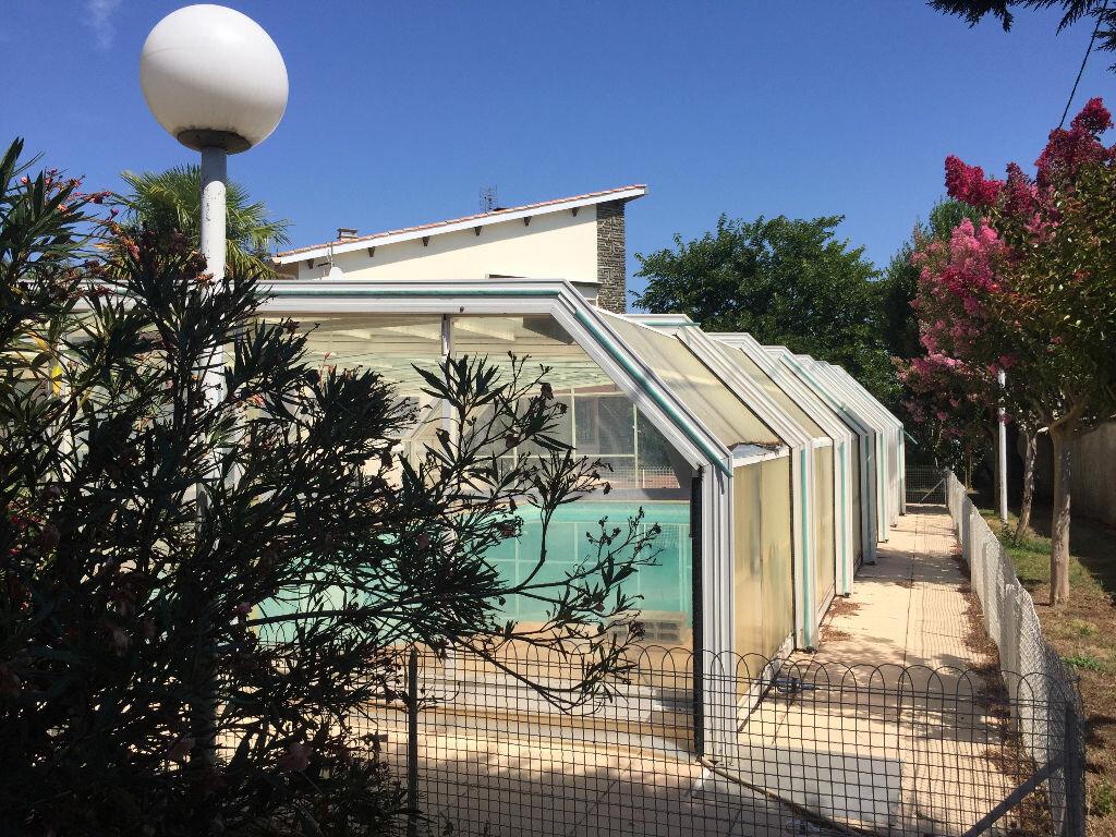 Maison à vendre 5 192m2 à Bourcefranc-le-Chapus vignette-2