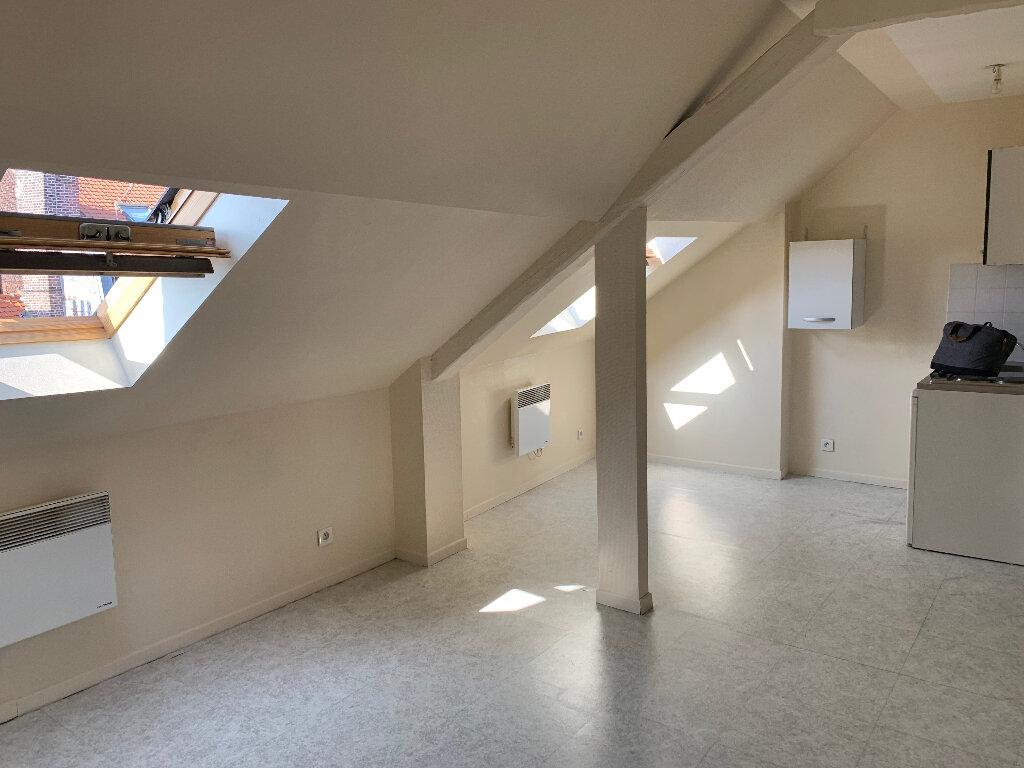 Appartement à louer 2 23.28m2 à Lille vignette-2