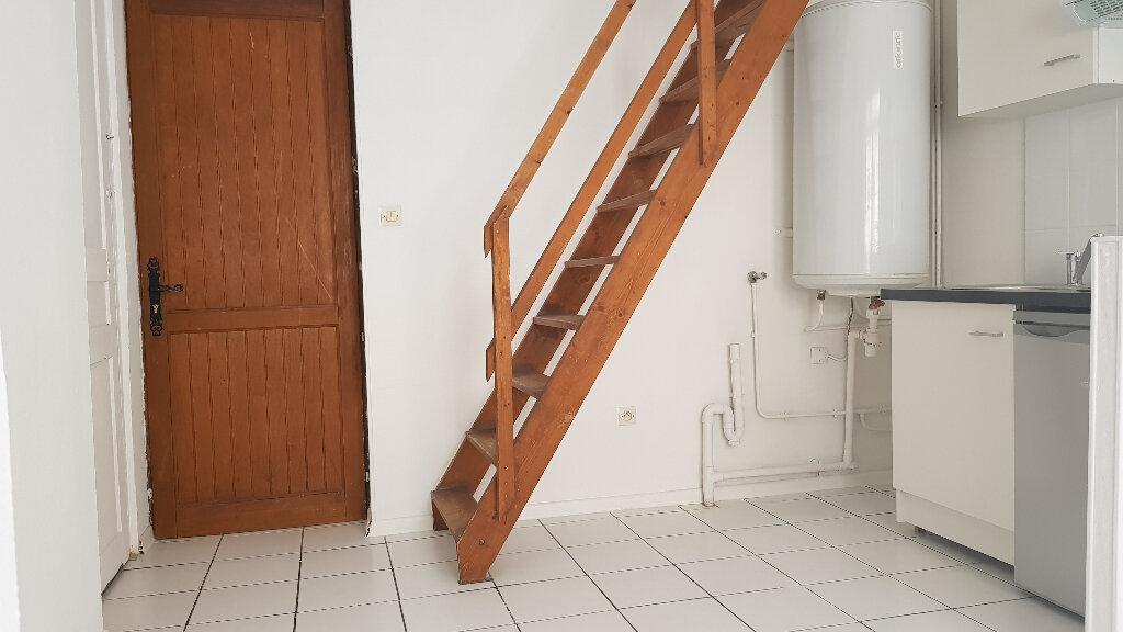 Appartement à louer 2 25.71m2 à Lille vignette-1