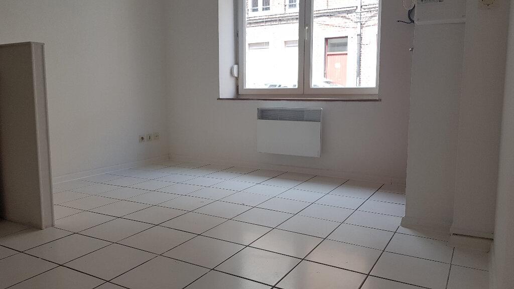 Appartement à louer 2 25.71m2 à Lille vignette-2