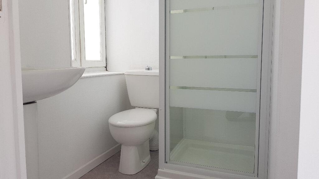 Appartement à louer 2 25.71m2 à Lille vignette-6