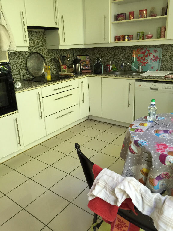 Appartement à louer 4 100.98m2 à Lille vignette-4