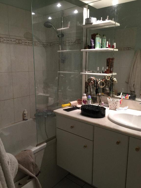 Appartement à louer 4 100.98m2 à Lille vignette-5