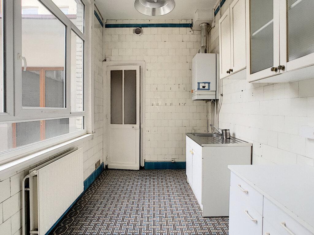 Appartement à louer 2 50.87m2 à Lille vignette-3