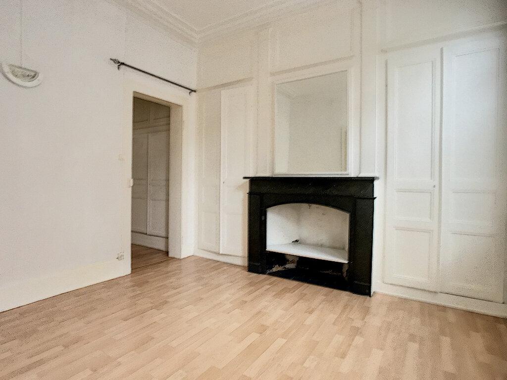 Appartement à louer 2 50.87m2 à Lille vignette-5