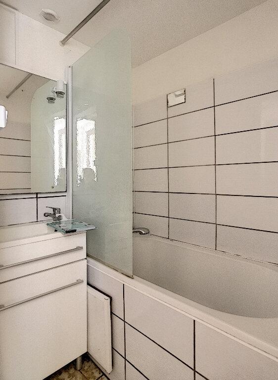 Appartement à louer 2 50.87m2 à Lille vignette-8