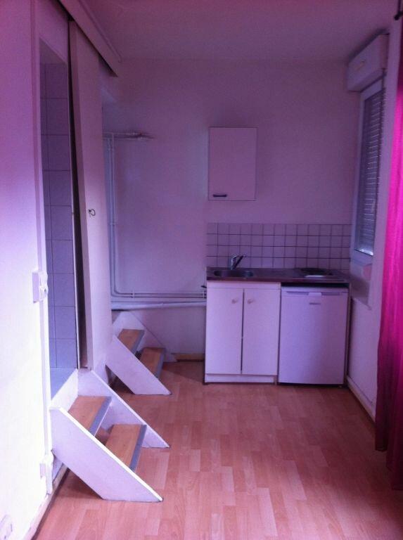 Appartement à louer 1 15.42m2 à Lille vignette-1