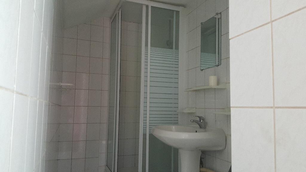 Appartement à louer 1 15.42m2 à Lille vignette-3