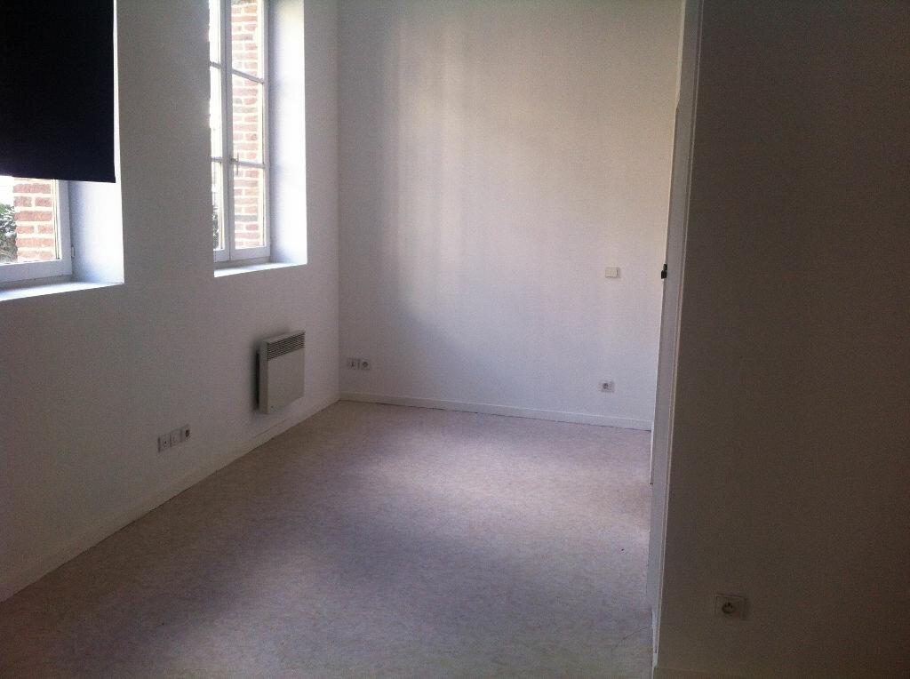 Appartement à louer 1 32.57m2 à Lille vignette-2