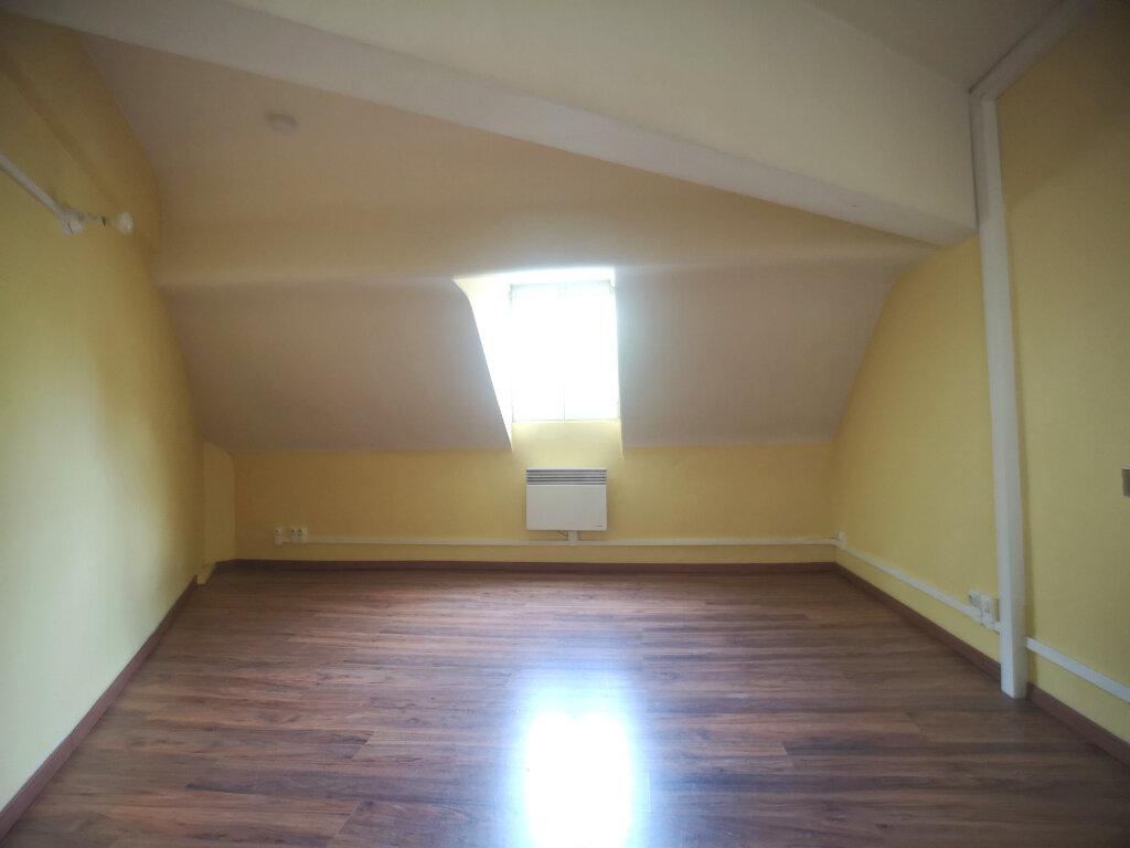 Appartement à louer 1 10.65m2 à Lille vignette-2