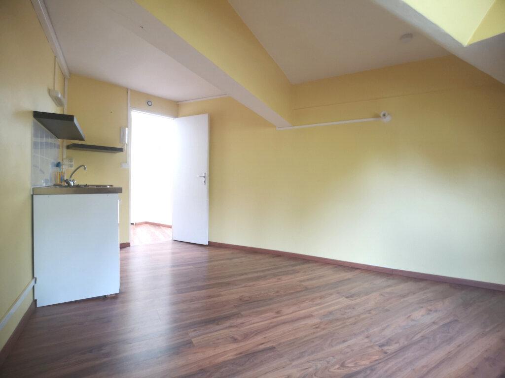 Appartement à louer 1 10.65m2 à Lille vignette-5