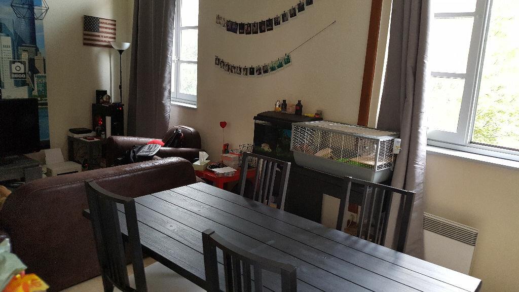 Appartement à louer 2 40m2 à Castelsarrasin vignette-1