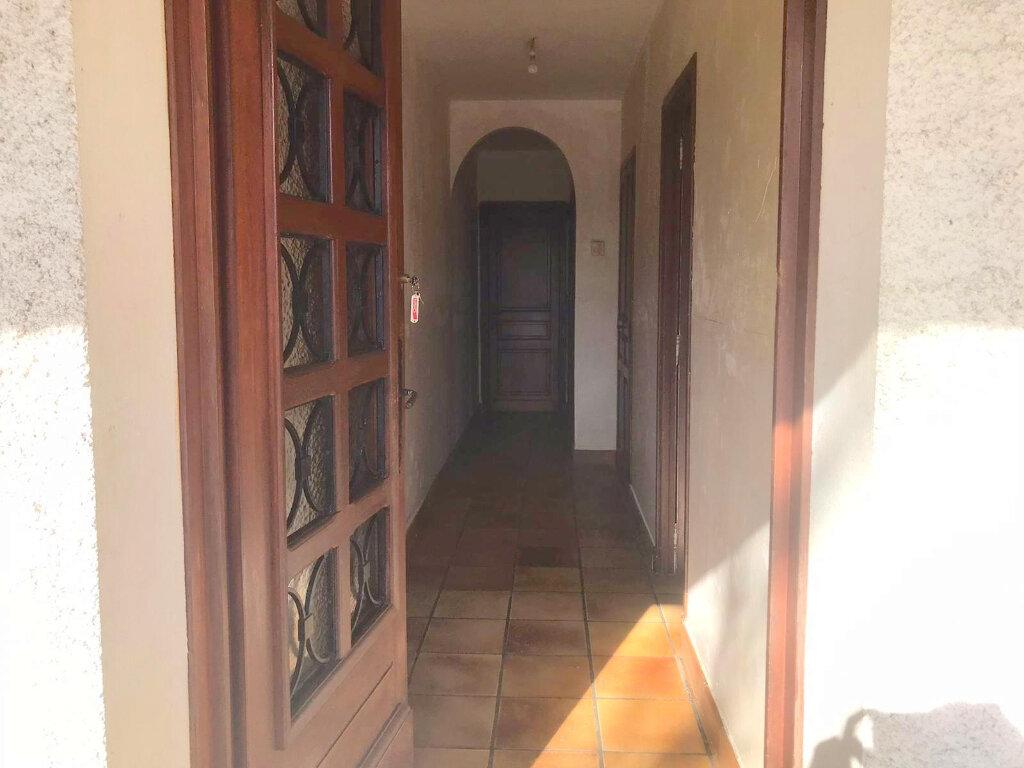 Maison à vendre 4 136m2 à Castelsarrasin vignette-4