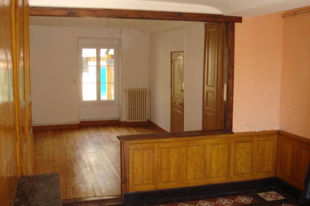 Maison à louer 5 106m2 à Saint-Mard-de-Réno vignette-3