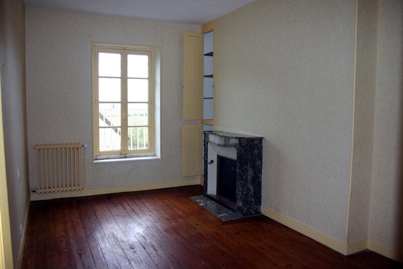Maison à louer 5 106m2 à Saint-Mard-de-Réno vignette-6
