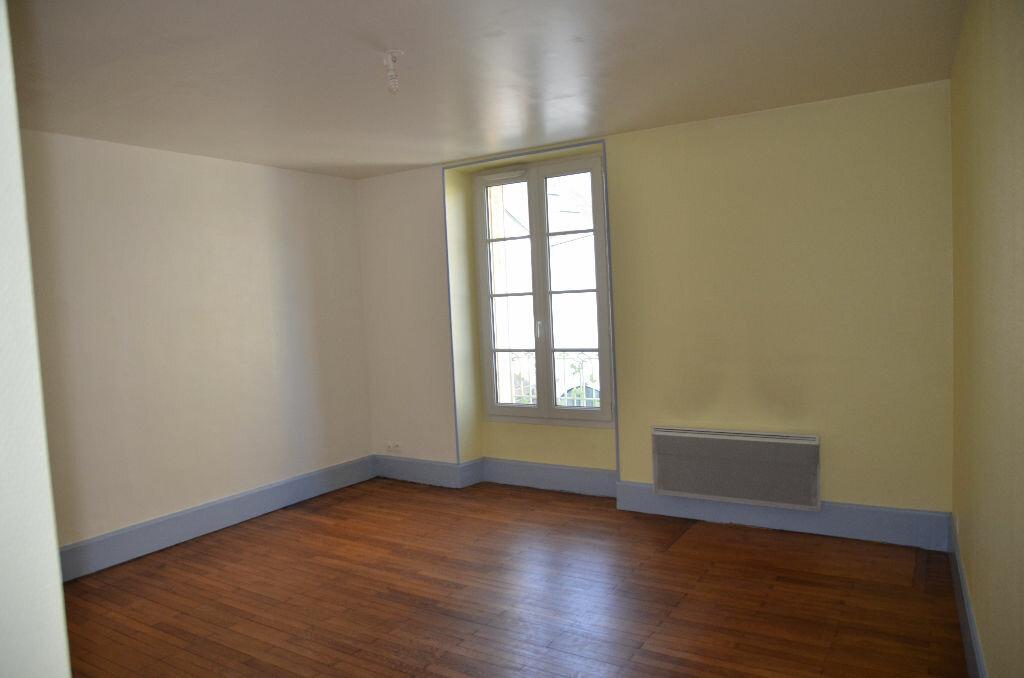 Appartement à louer 1 26m2 à Mortagne-au-Perche vignette-1