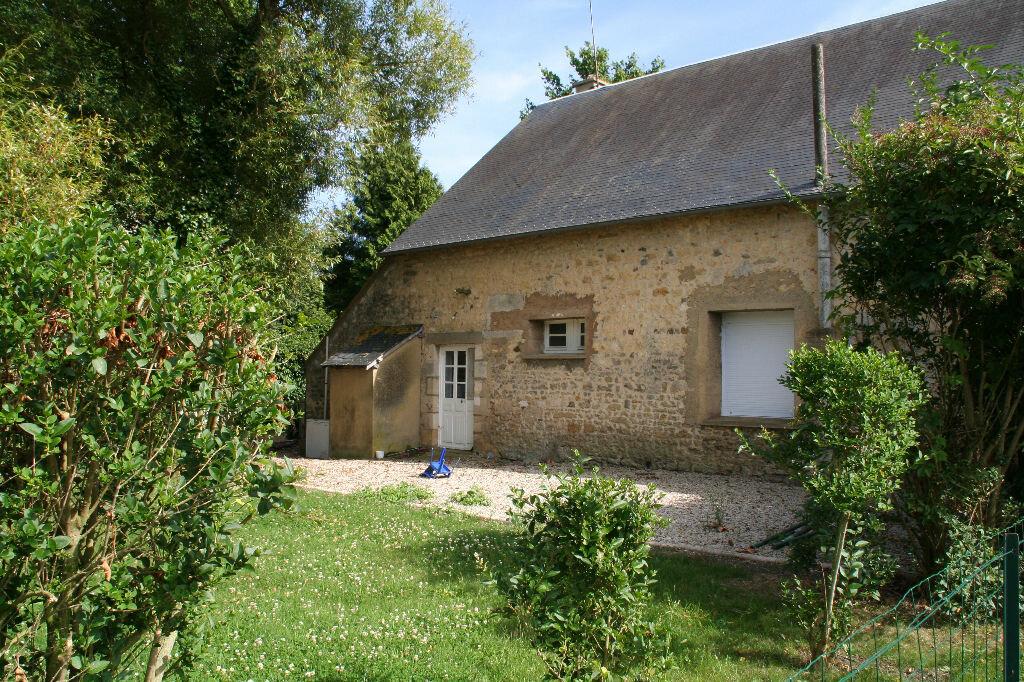 Maison à louer 4 106m2 à Roullée vignette-2