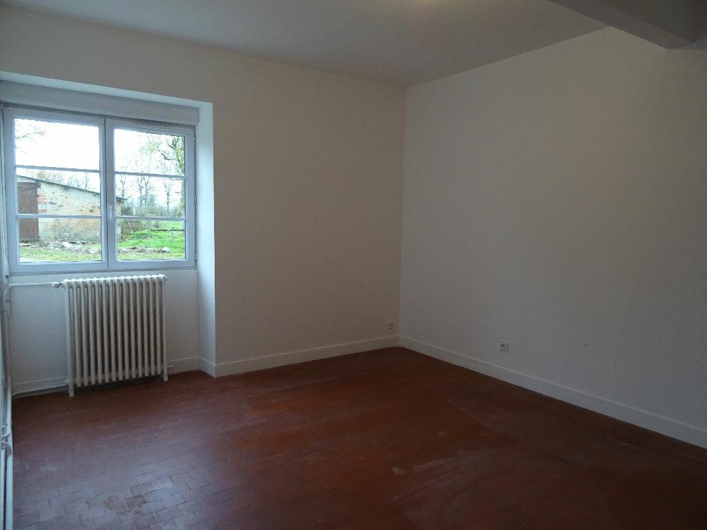 Maison à louer 4 106m2 à Roullée vignette-4