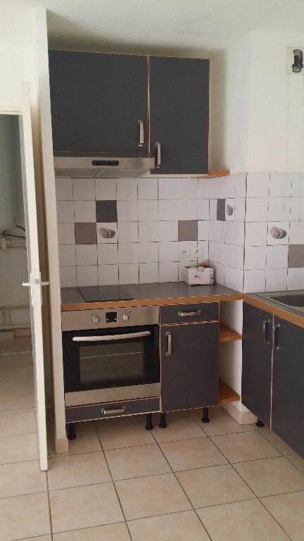 Appartement à louer 2 31.44m2 à Istres vignette-1