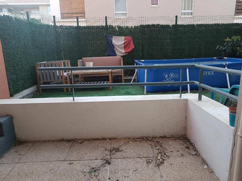Appartement à louer 2 31.44m2 à Istres vignette-4