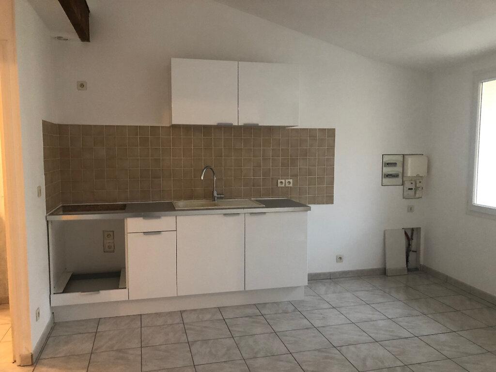 Appartement à louer 2 30.41m2 à Istres vignette-2