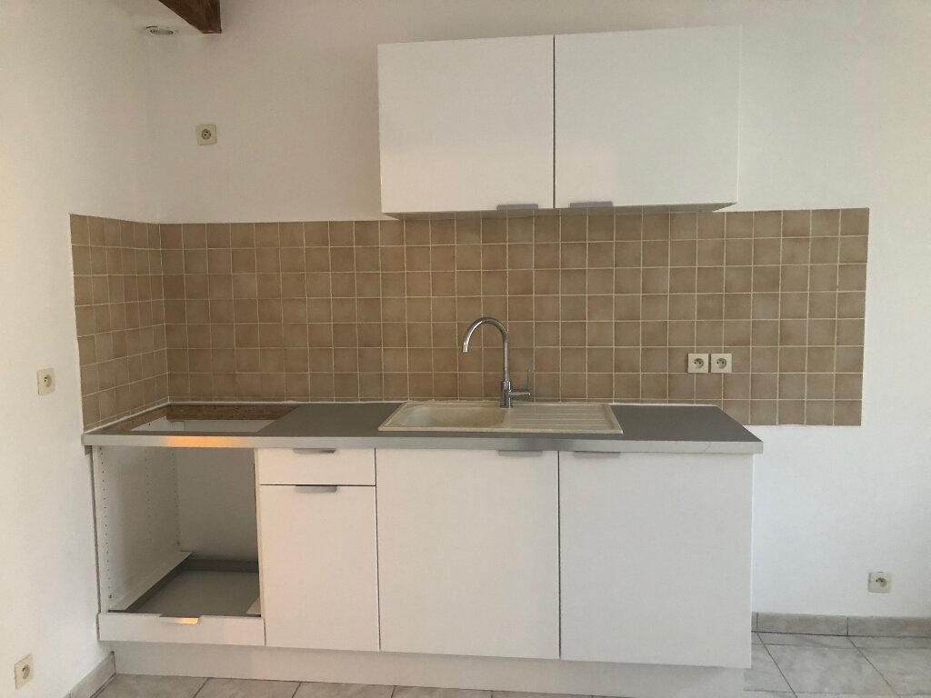 Appartement à louer 2 30.41m2 à Istres vignette-3