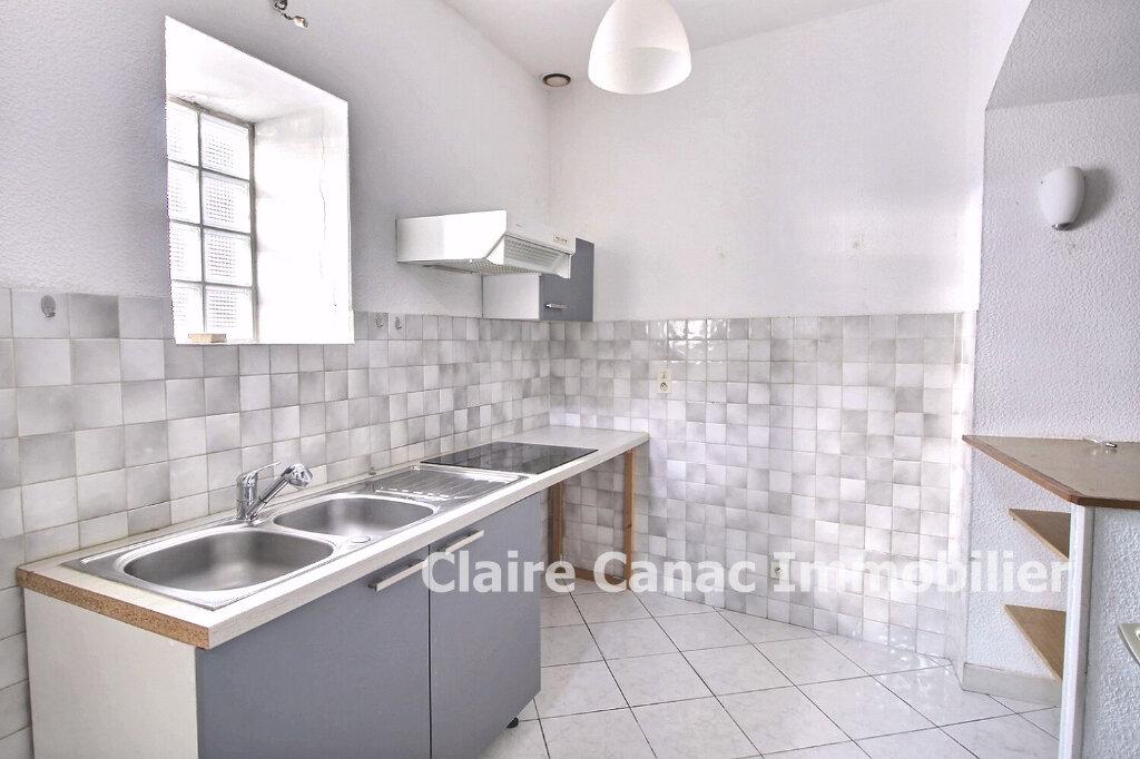 Maison à louer 3 100m2 à Lavaur vignette-3