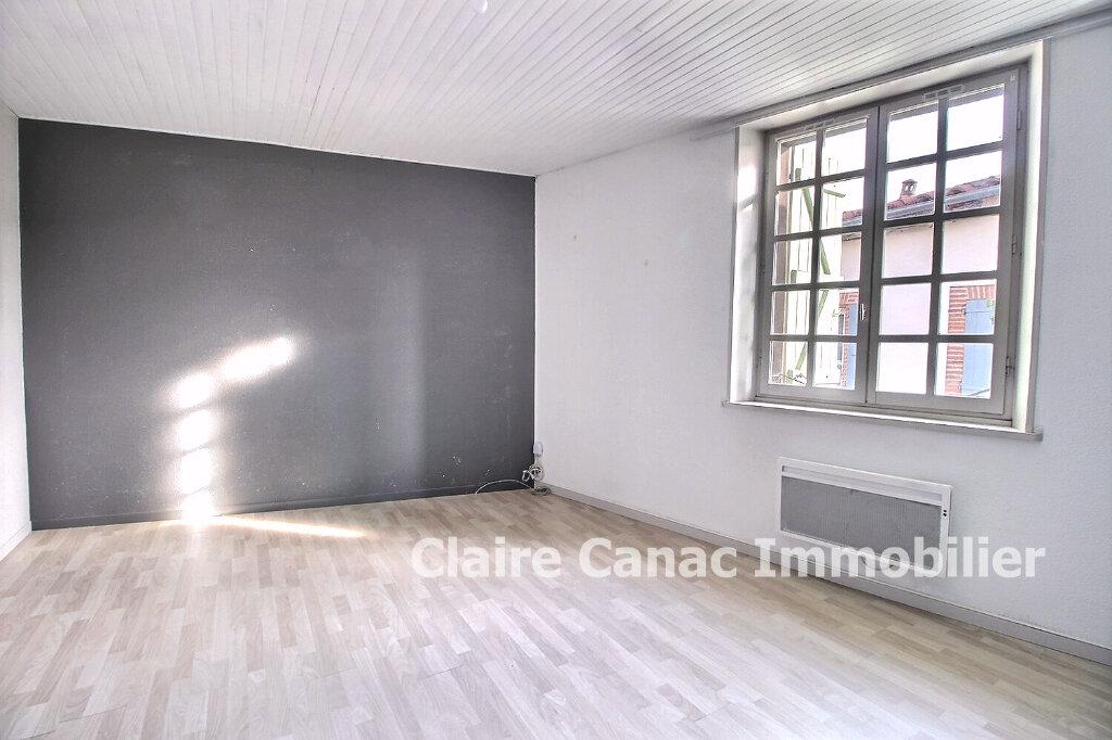 Maison à louer 3 100m2 à Lavaur vignette-4