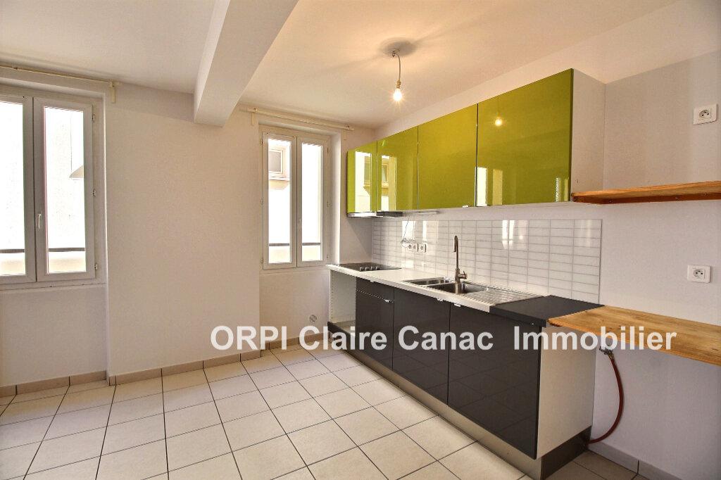 Appartement à louer 5 106m2 à Lavaur vignette-4