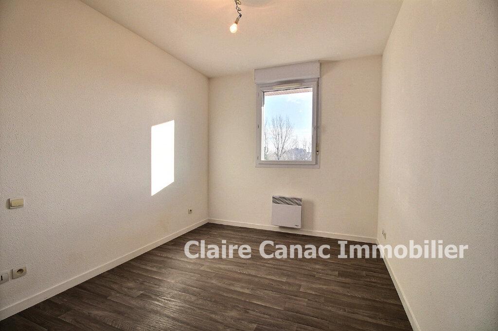 Appartement à louer 3 65m2 à Lavaur vignette-4