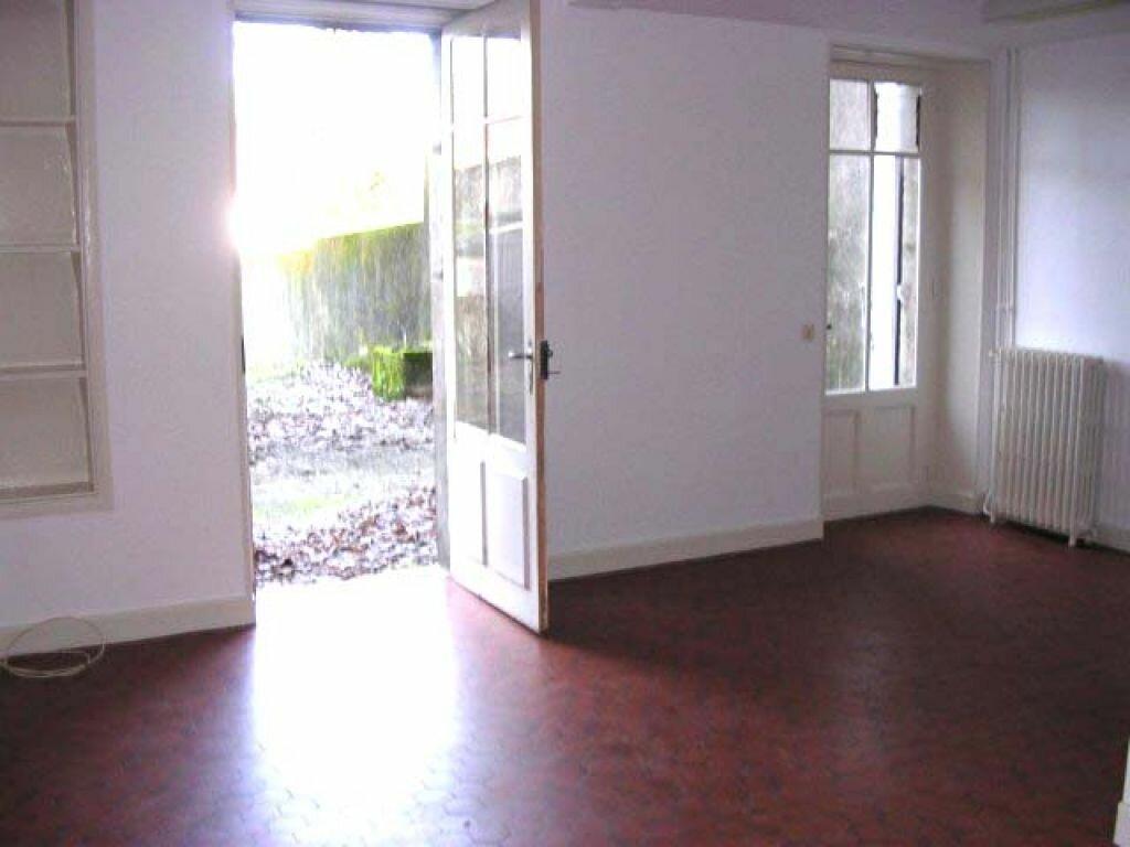 Appartement à louer 3 66m2 à Mazamet vignette-1
