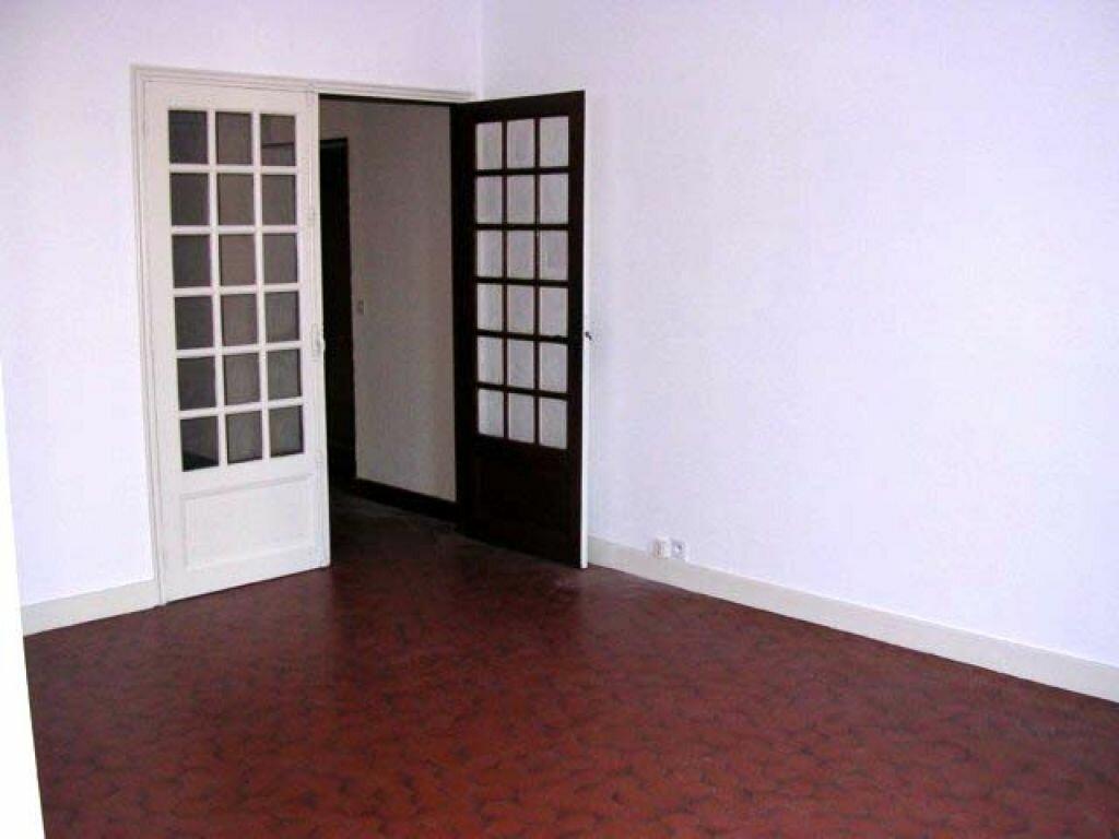 Appartement à louer 3 66m2 à Mazamet vignette-2
