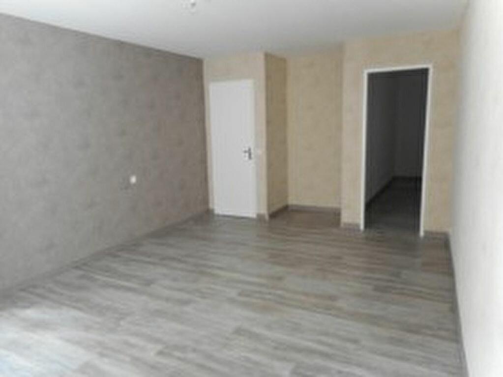 Appartement à louer 2 40m2 à Mazamet vignette-2