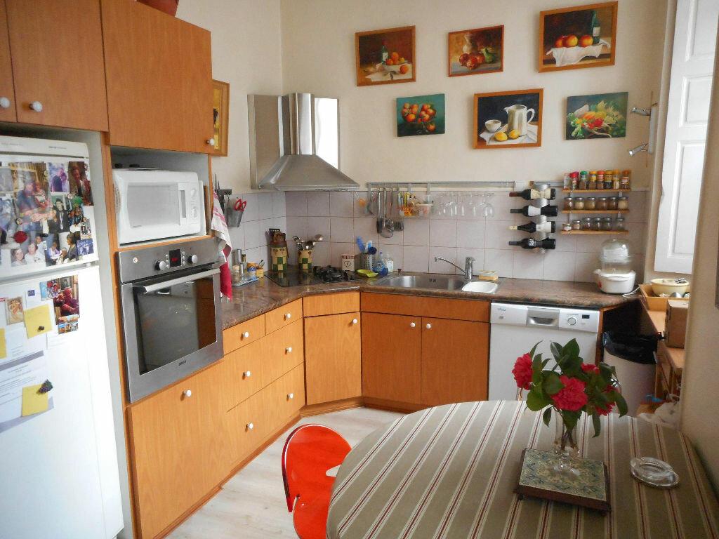 Appartement à vendre 4 160m2 à Mazamet vignette-2