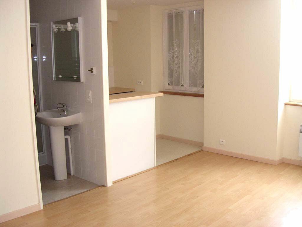 Appartement à louer 1 30m2 à Mazamet vignette-1