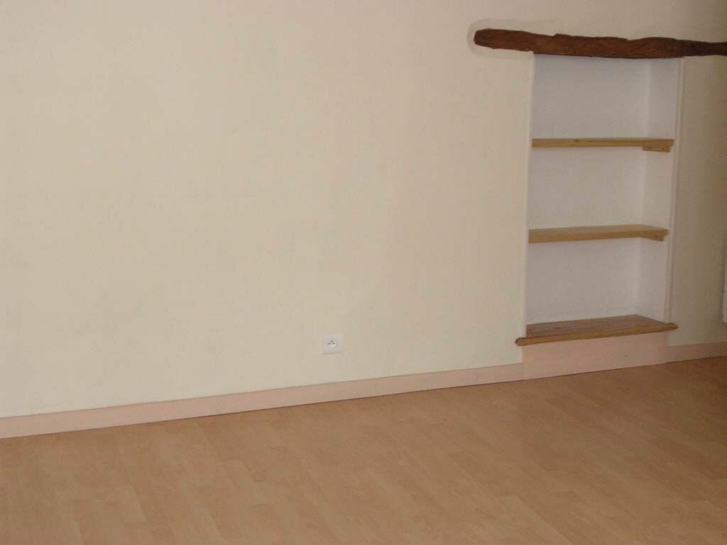 Appartement à louer 1 30m2 à Mazamet vignette-4
