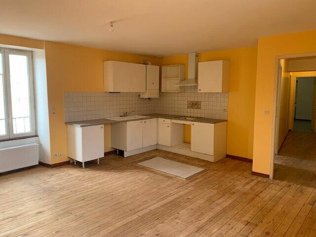 Appartement à louer 4 65m2 à Mazamet vignette-1