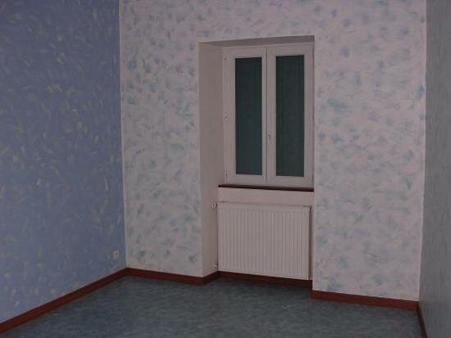 Appartement à louer 4 65m2 à Mazamet vignette-2