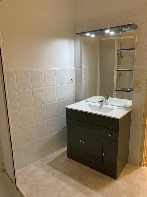 Appartement à louer 4 65m2 à Mazamet vignette-4