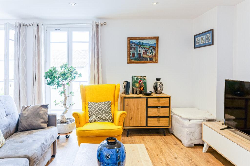 Appartement à louer 2 54.52m2 à Bayonne vignette-2